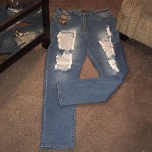Fashion Nova Curve (plus size) Distress Jeans